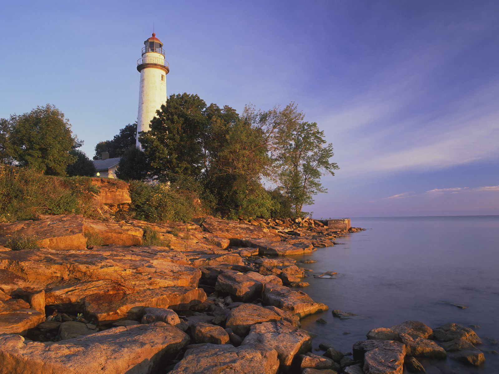 Pointe_Aux_Barques_Lighthouse_Lake_Huron_Michigan